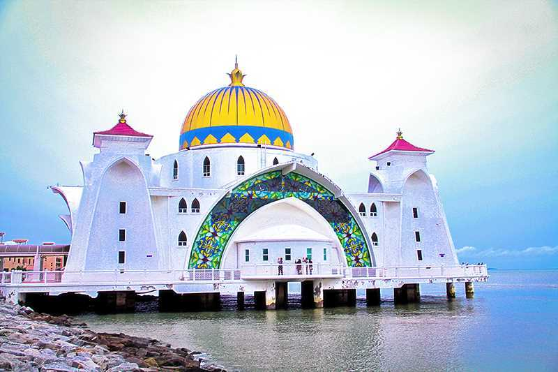 Malacca Straits Mosque Featured Image